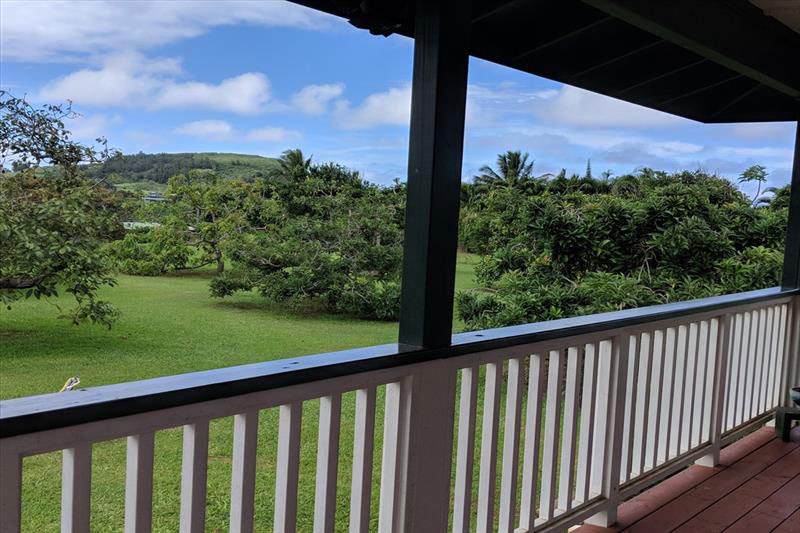 https://beachandbluff.com/wp-content/uploads/2018/10/lanai-view.jpg